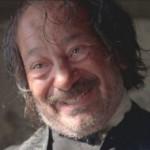 JUAN CARLOS CANTU. È il Capitano Robles della serie The Bridge, ma è stato anche padre Suarez in Lost (6x09), ed è apparso in ruoli da una puntata in tante altre serie (ER, Dexter, Weeds, Castle, Better Call Saul)