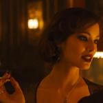 BÉRÉNICE MARLOHE. Dopo la Bellucci, altra Bond girl nel cast. Madre francese e padre per metà cambogiano e per metà cinese, lei era Sévérine in Skyfall