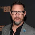 MATTHEW LILLARD. Ricordato spesso per il ruolo del fifone Shaggy nei famigerati Scooby-Doo e Scooby-Doo 2, Lillard ha fatto anche di molto meglio, come Scream di Wes Craven e la serie tv The Bridge dove interpreta Daniel Frye)
